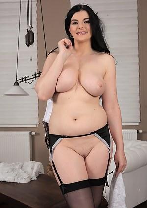 Best MILF Maid Porn Pics