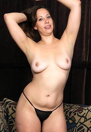 Best MILF Thong Porn Pics