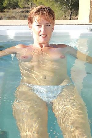 Best MILF Pool Porn Pics