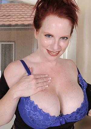 Best Redhead MILF Porn Pics