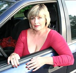 Best MILF Car Porn Pics