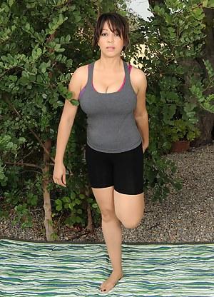 Best Fitness MILF Porn Pics