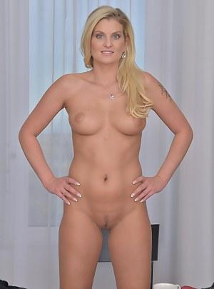 Best Perfect Body MILF Porn Pics