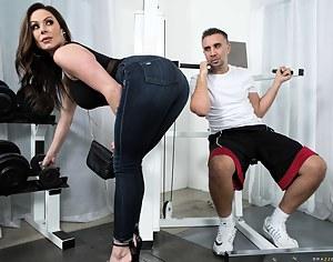Best MILF Gym Porn Pics