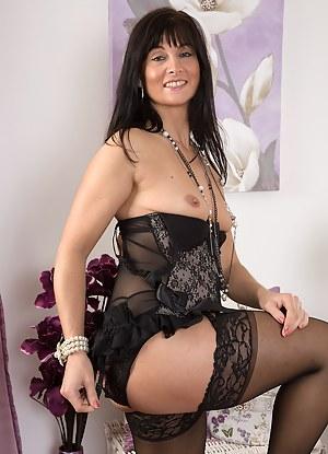 Best Glamour MILF Porn Pics