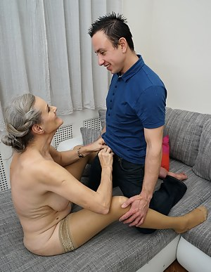 Best MILF and Boy Porn Pics