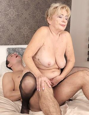 Best MILF Cowgirl Porn Pics