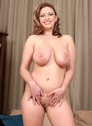 Best MILF Nipples Porn Pics