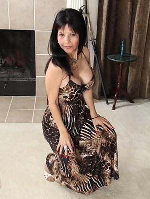 Best MILF Dress Porn Pics