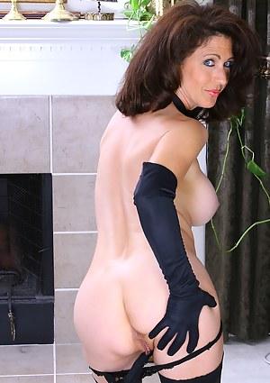 Best MILF Gloves Porn Pics