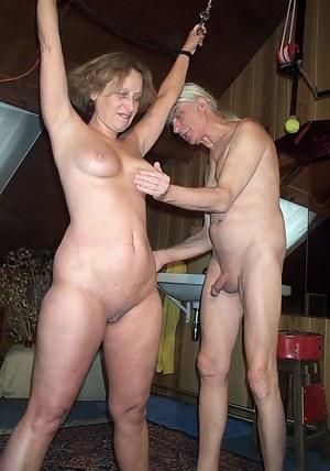 Best MILF Spanking Porn Pics