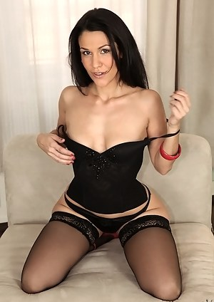 Best MILF Beauty Porn Pics